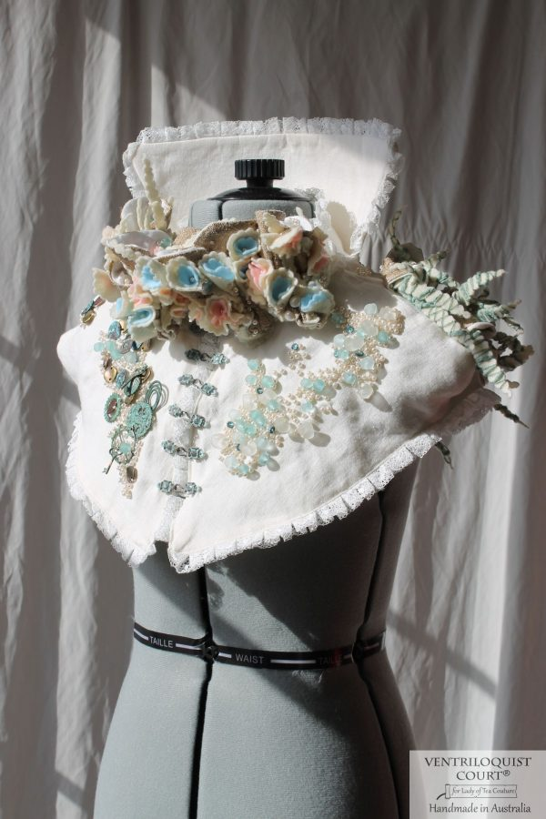 High-fashion Cream Lace Collar with Textile Art Details