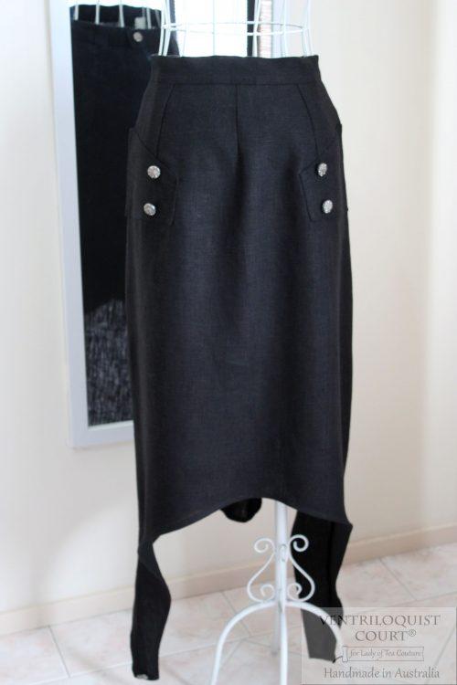 Geometric cut skirt