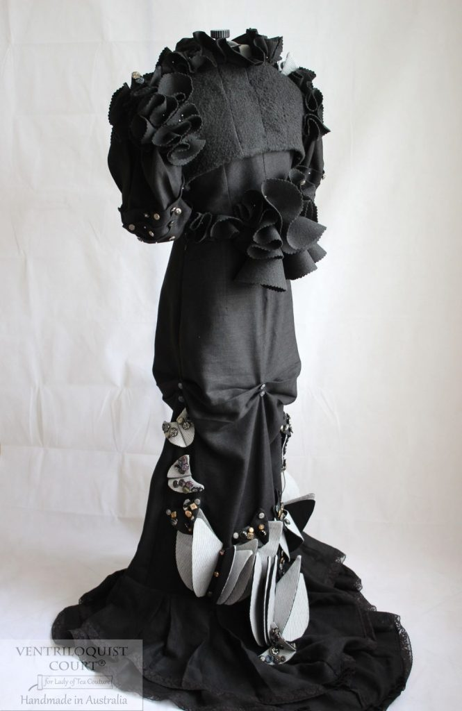 High Fashion Gown with Steampunk Circus Pleated Propellers - Ventriloquist Court®